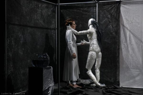 Фоторепортаж со спектакля «Иштаб» Софьи Гайдуковой и Константина Матулевского