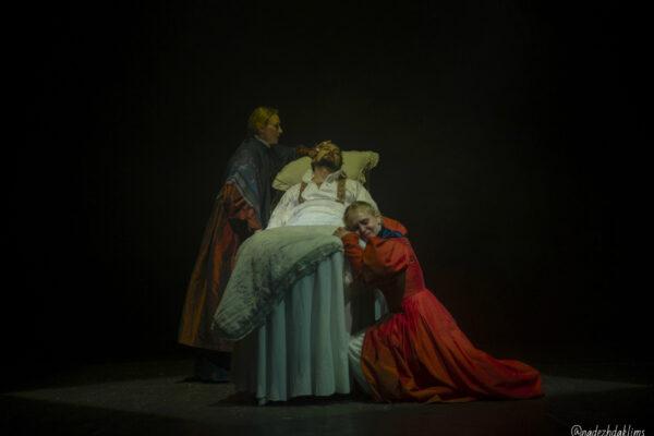 «Война и мир» в театре «Модерн». Фоторепортаж