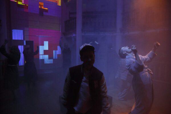 Спектакль «Обломки», ШДИ. Игра в 90-е