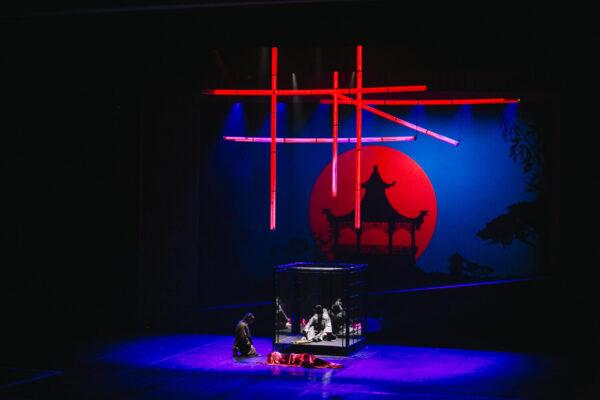 Мюзикл «Шёлк» в Мюзик Холле: из Франции в Японию и обратно