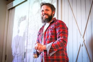 Read more about the article Юрий Макеев: «Я чудак-крестьянин»