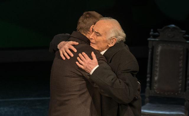 «Последние луны» в театре им.Е.Вахтангова. Уйти, чтобы остаться