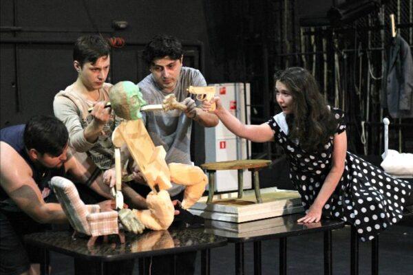 Макдонах и Володин в театре кукол: показы актерской Лаборатории МТК.NEXT-2