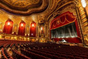 Драматический театр в сентябре. Четыре способа открыть сезон