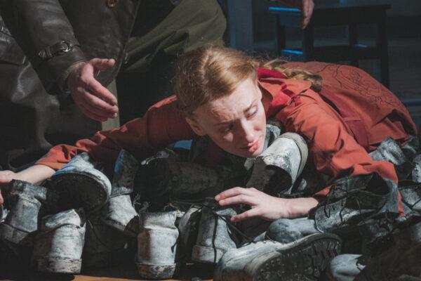 Спектакль «Кони за окном», Театр Школа Драматического Искусства. Фоторепортаж