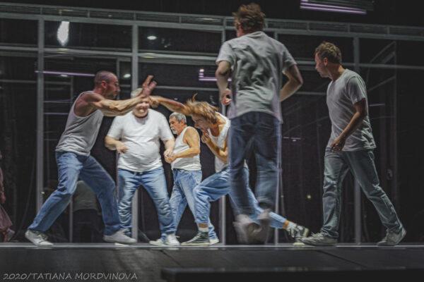 «Мир принадлежит сильным!». Премьера спектакля «Пролетая над гнездом кукушки» в театре им. М. Ермоловой