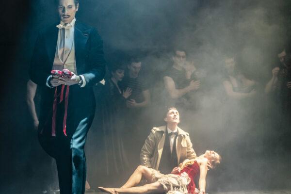 Бродвейский дух на кончиках пуантов. «Красные башмачки» Мэтью Борна на экранах проекта TheatreHD