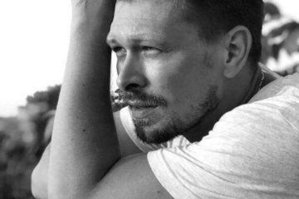 «Я не мечтатель!». Интервью с актёром Театра ОКОЛО дома Станиславского Дмитрием Богданом