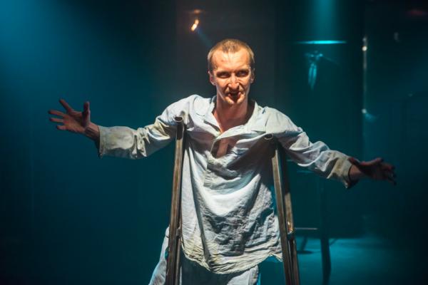 Ненормативная пластика тела и души: «Сибирь» Романа Кагановича в Таком театре