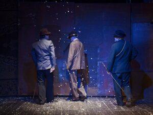 Атос, Портос, до скорой встречи. Арамис, прощай навсегда! Спектакль «Три мушкетёра» в театре «ОКОЛО дома Станиславского»