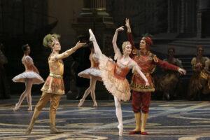 Read more about the article Тёплый и душевный вечер с красавицей балета. TheatreHD показали «Спящую красавицу» с Ольгой Смирновой в заглавной партии