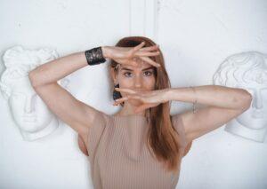 Read more about the article Коллаборация души и танца: премьера пластического спектакля «БОГinЯ»