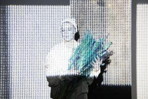 Read more about the article «Холодно. Холодно и пусто». Эскиз «OUTSIDE», лаборатория «Группа продленного дня», театр им.Ермоловой
