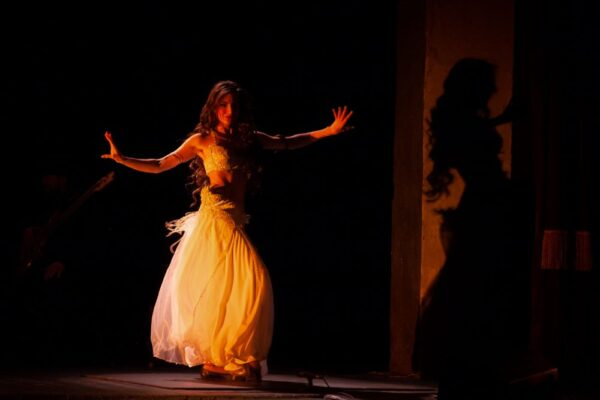 Проснись, улыбнись и пой! Музыкальный спектакль «Дрома Ромэн», театр «Ромэн»