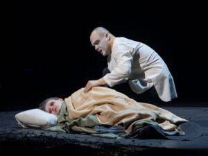 Тень самого себя и всех живущих тень. Спектакль «Король Лир», театр им.Вахтангова
