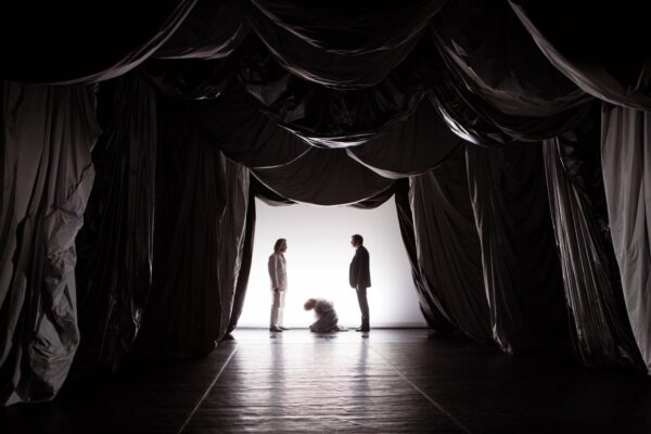 «Гроза прошла», театр имени Моссовета. Гроза как триггер