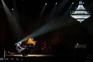 Read more about the article Борис Березовский сыграет «1900. Легенда  о пианисте» в Малом Театре
