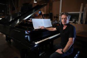 Read more about the article Впервые в России «HOLLYWOOD MUSIC SHOW» Гарри Грегсон-Уильямса