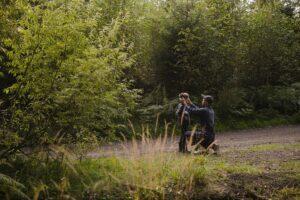 Мы выйдем с собой погулять в лес: аудиоспектакль-прогулка для одного зрителя в лесу