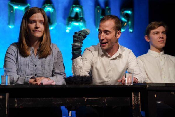 Перчатка дьявола в спектакле Юрия Муравицкого «Длань Господня»