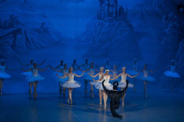 Балет «Лебединое озеро» на Летних Балетных Сезонах. Фоторепортаж