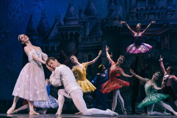 Балет «Золушка» в исполнении труппы Национального Классического Балета на сцене РАМТ