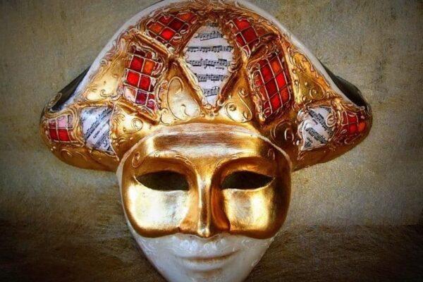 «Венецианское каприччио» в атриуме Хлебного дома