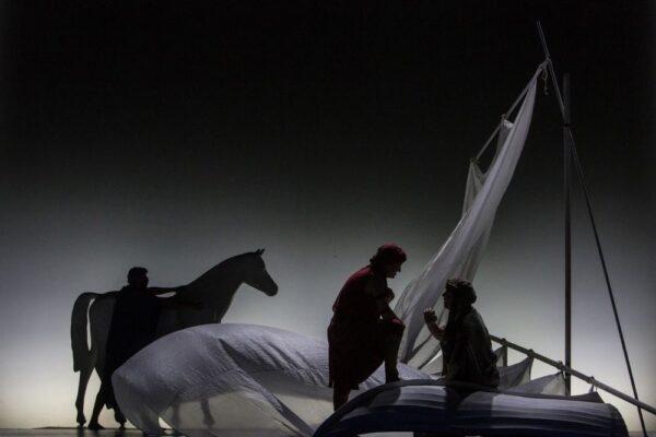 Диснеевское чудо от Красноярского ТЮЗа. Спектакль «Хроники Нарнии. Конь и его мальчик»